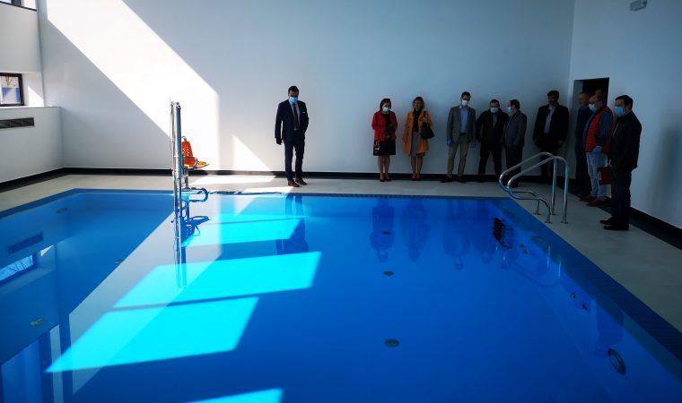 Pierwszy etap oficjalnie zakończony. Uczniowie SOSW ucieszą się z basenu, auli i pracowni p powiat-oswiecim-pl