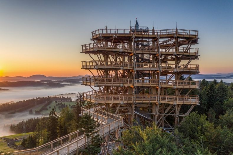 Wieża widokowa w Krynicy-Zdroju otwarta dla zwiedzających malopolska-pl fot. Słotwiny Arena