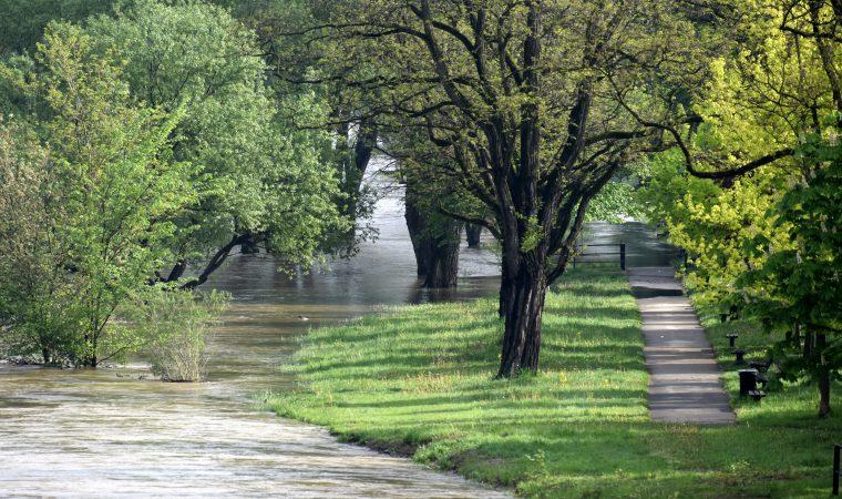 Poziom rzek w naszym powiecie wciąż wysoki, ale przestało padać powiat oswiecim